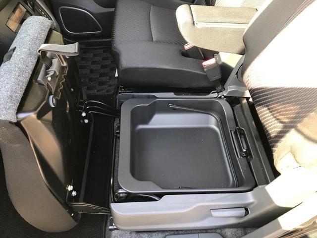 20周年記念車 レーダーブレーキサポート スマートキ- シートヒーター メモリー地デジナビ DVD再生 ETC HID オートライト アイドリングストップ オートエアコン(4枚目)