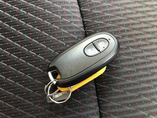 20周年記念車 レーダーブレーキサポート スマートキ- シートヒーター メモリー地デジナビ DVD再生 ETC HID オートライト アイドリングストップ オートエアコン(26枚目)