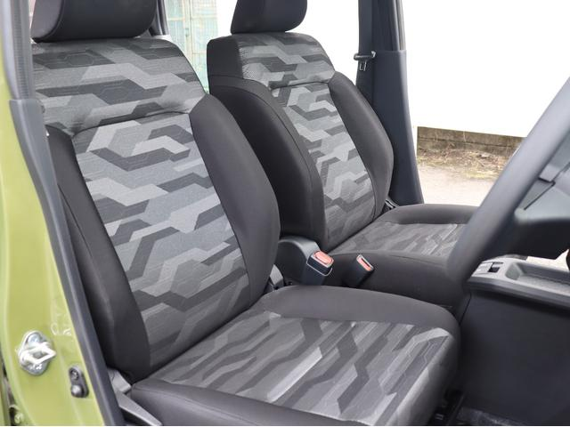 運転席・助手席ともに足元もゆったりしていますので長距離ドライブも出来ますね!