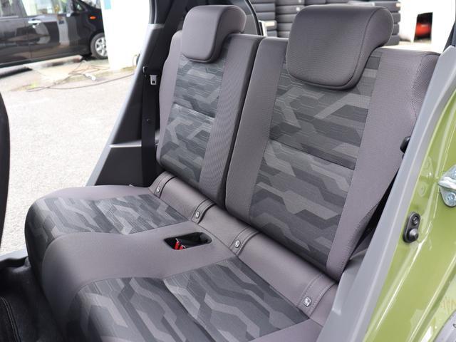 後部座席もゆったりしておりますので同乗者の方も楽ですね。