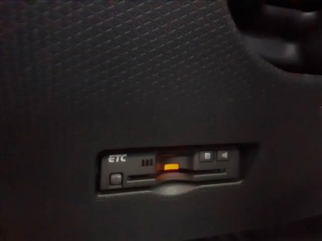カスタムRS 4WD 次世代スマアシ!レーダークルーズ!LEDオートハイビーム!スマートキーx2!プッシュS!黒半革S!Cセンサー!予約機能付両側電動D!D席ロングスライドS!Sヒーター!走行0.4万Km!車検4年11月迄(19枚目)