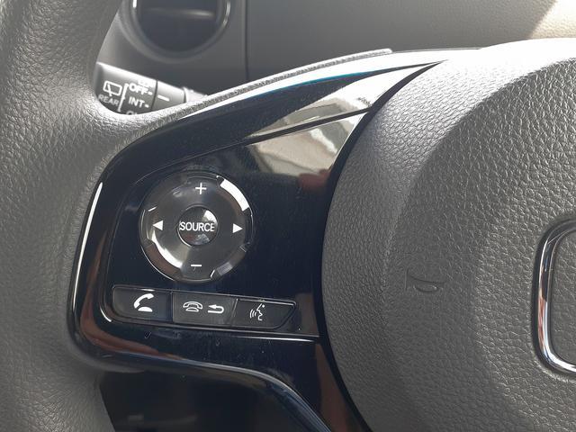 カスタム L 届け出済み未使用車 衝突軽減B レーダークルーズ LEDオートライト&フォグ 車線逸脱警報 リアPセンサー スマートキーx2 プッシュS 電動D シートヒーター 専用エアロ&AW ナビ装着用SPパック(20枚目)
