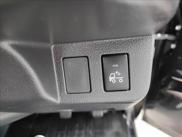 スタンダード 農用スペシャル 5速マニュアルミッション 切り替え4WD デフロック 純正CDオーディオ AUX ETC 荷台ライト エアコン エアバック パワーステアリング 純正ドアバイザー 純正ゴムフロアマット 人気のブラック(20枚目)