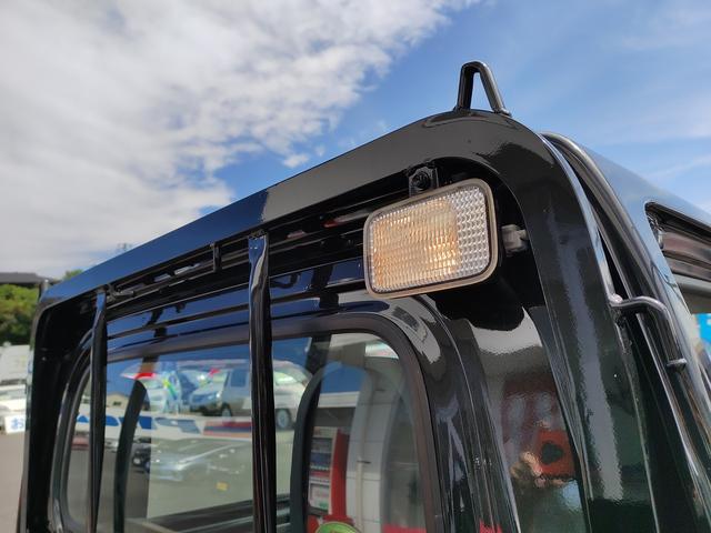 スタンダード 農用スペシャル 5速マニュアルミッション 切り替え4WD デフロック 純正CDオーディオ AUX ETC 荷台ライト エアコン エアバック パワーステアリング 純正ドアバイザー 純正ゴムフロアマット 人気のブラック(25枚目)
