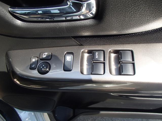 ベースグレード  左側電動ドア メモリーナビ(16枚目)