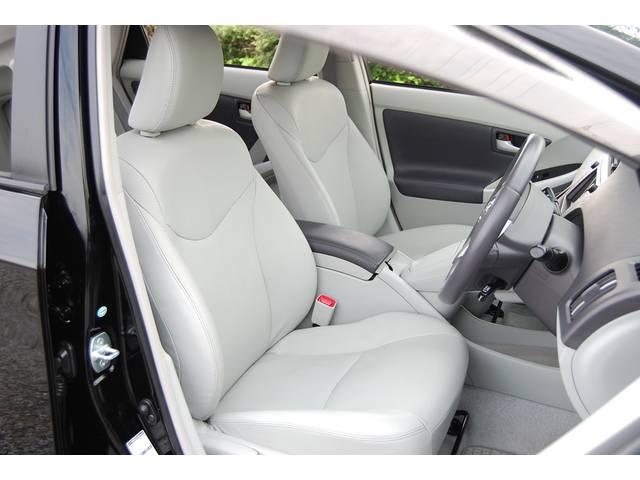 ■ 特殊クリーニング施工済みです!!一番使用頻度の高い運転席で、この状態です! シートコンディションだけではなく、各装備品等 とてもキレイな状態を保っております!! 購入後、気持ちよくお乗り頂けます!