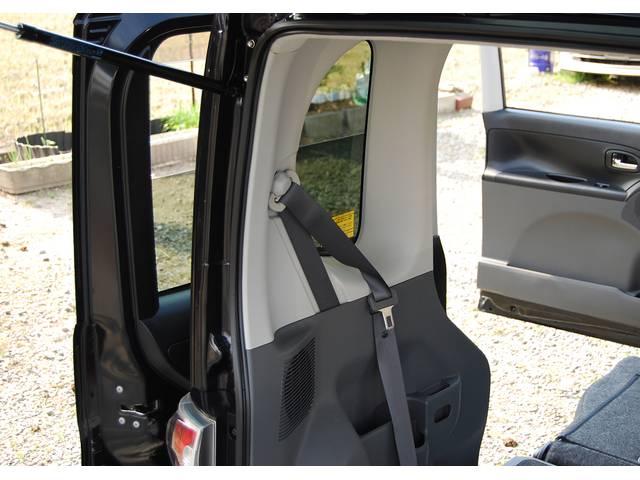 ■ オプション&豪華装備『後席専用ジュースホルダー』『後席専用 高機能スピーカー』『電動パワースライドドア』『後席専用照明4装備』搭載!他にも、イルミネーション機能などオプション装備満載の車輛です!!