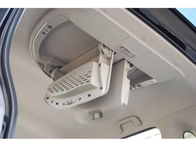 ■ オプション装備 『オーバーヘッドコンソール&イルミネーション』搭載! 天井ルームランプはオプションも含めて、4か所もあります!!勿論、天井の使用感も無く、写真では伝わらない、タバコ臭もありません!