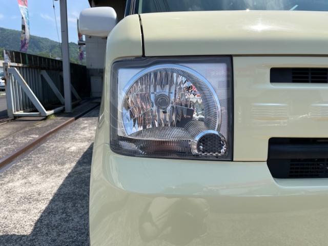 ヘッドライトも焼け等少なく綺麗な状態を保っております。