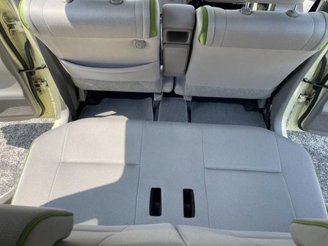 広く開放的な居住スペース。シートクッションの座り心地もいっそう快適なものに。ひとりひとりがゆったりとくつろげる快適な空間です。