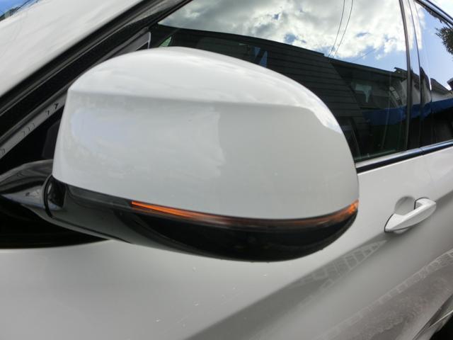 視認性、ドレスアップ効果のあるドアミラーウィンカーを装備しております!