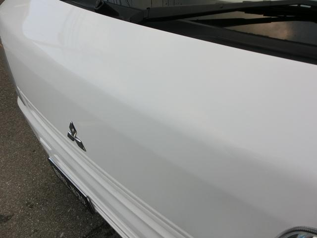 ボンネットの塗装の状態も良いです!もちろんルーフにもしっかりと艶があります!遠方にお住いの方でも納車可能!北海道から沖縄・離島まで全国各地への陸送納車の実績も多数あります!