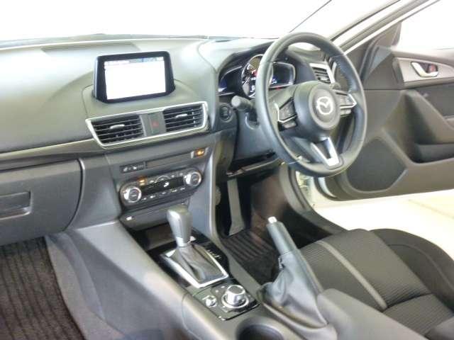 セダン 15S PROACTIVE TVナビ 4WD(3枚目)