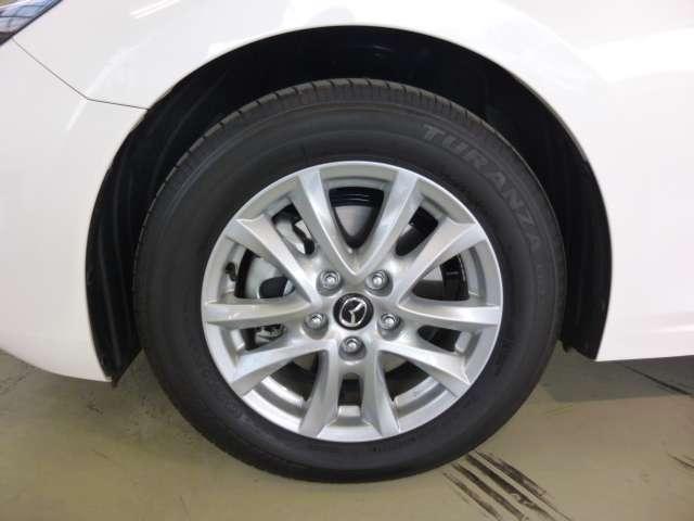 セダン 15S PROACTIVE TVナビ 4WD(8枚目)