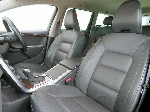 ボルボ ボルボ V70 T4 SE セーフティPKG 黒本革シート 純正HDDナビ