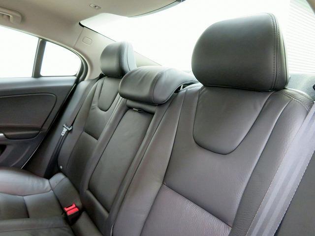 ボルボ ボルボ S60 ドライブe セーフティPKG レザ-PKG ナビPKG