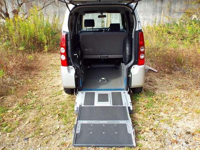 マツダ AZワゴン FX スロープ式車椅子移動車