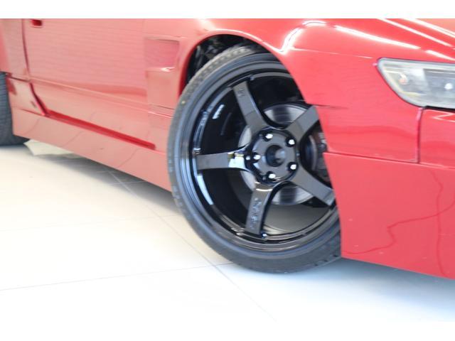 タイプX スーパーハイキャスパッケージ シルエイティ・ロケバニエアロ・ブリスターフェンダー・レイズ18インチアルミ・前置IC・車高調・7点ロールバー・3層ラジエーター・LSD・社外マフラー(18枚目)
