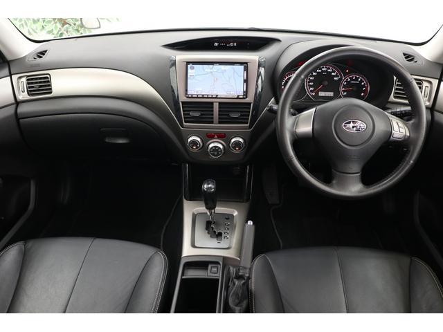 2.0XS ブラックレザーセレクション 4WD ナビ ETC パワーシート シートヒーター オートクルーズ プッシュスタート HID フロントフォグ 17インチアルミ(5枚目)
