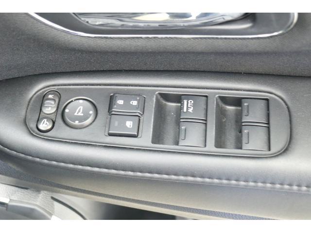 ハイブリッドX 車高調 フルエアロ 社外19インチアルミ 社外マフラー 8インチナビ TV フリップダウンモニター バックカメラ(67枚目)