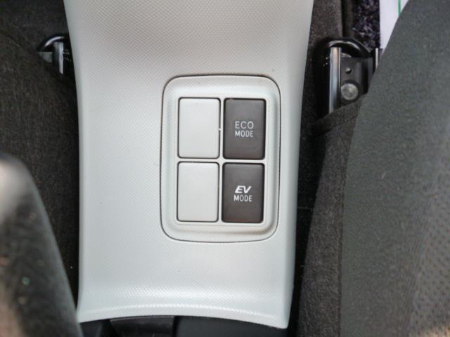 トヨタ アクア S ワンセグSDナビ 15インチアルミホイール