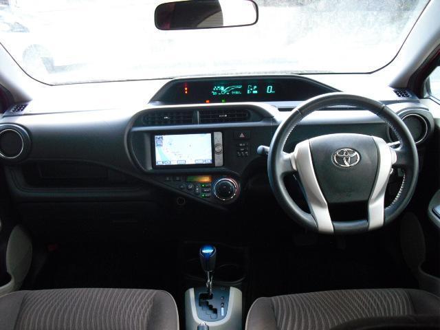 操作しやすいシンプルな運転席周り♪