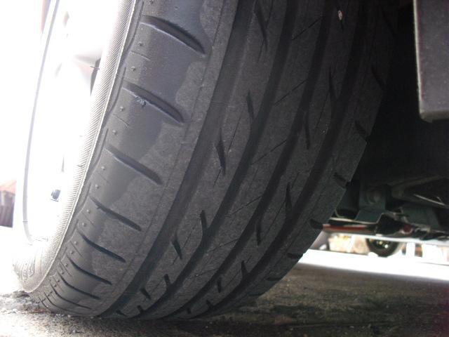 右前タイヤです♪