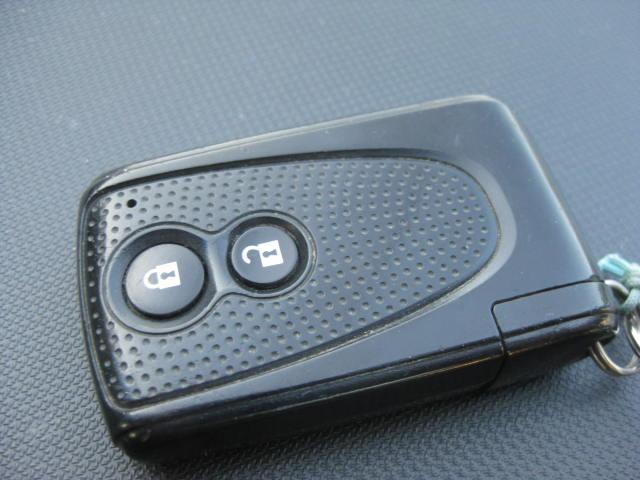 カスタム G 4WD キーフリー タイミングチェーン ナビ フルセグTV DVD再生可 CD ETC プッシュスタート タイヤ4本新品交換 HIDライト フル装備 オートエアコン 室内清掃(12枚目)