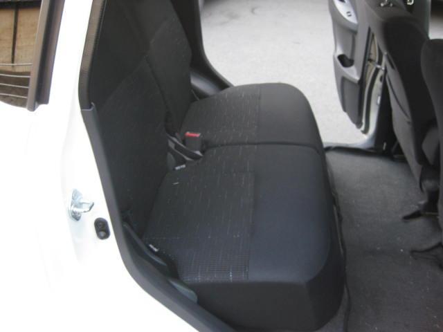 カスタム G 4WD キーフリー タイミングチェーン ナビ フルセグTV DVD再生可 CD ETC プッシュスタート タイヤ4本新品交換 HIDライト フル装備 オートエアコン 室内清掃(15枚目)