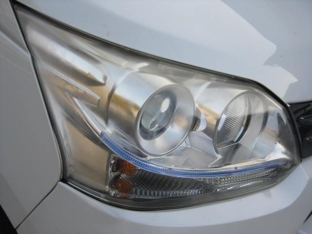 カスタム G 4WD キーフリー タイミングチェーン ナビ フルセグTV DVD再生可 CD ETC プッシュスタート タイヤ4本新品交換 HIDライト フル装備 オートエアコン 室内清掃(16枚目)