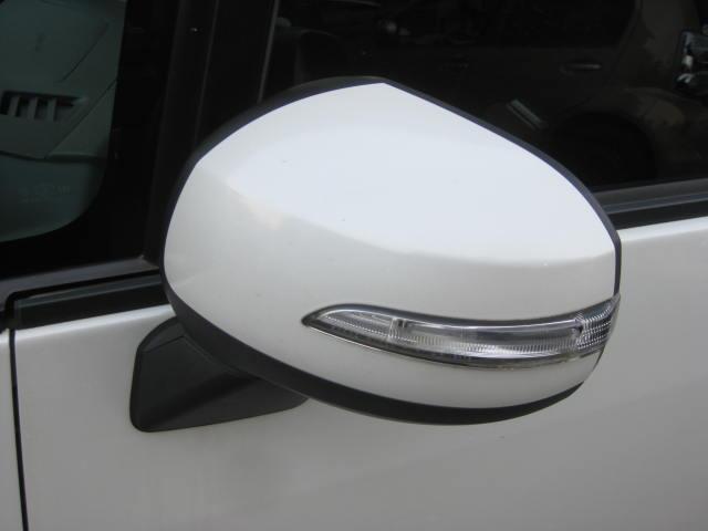 カスタム G 4WD キーフリー タイミングチェーン ナビ フルセグTV DVD再生可 CD ETC プッシュスタート タイヤ4本新品交換 HIDライト フル装備 オートエアコン 室内清掃(17枚目)