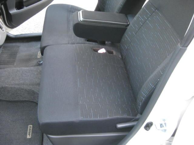 カスタム G 4WD キーフリー タイミングチェーン ナビ フルセグTV DVD再生可 CD ETC プッシュスタート タイヤ4本新品交換 HIDライト フル装備 オートエアコン 室内清掃(23枚目)