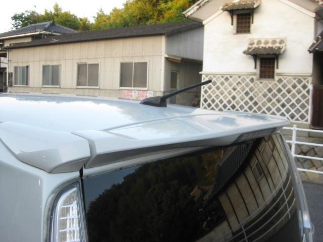 カスタム G 4WD キーフリー タイミングチェーン ナビ フルセグTV DVD再生可 CD ETC プッシュスタート タイヤ4本新品交換 HIDライト フル装備 オートエアコン 室内清掃(28枚目)