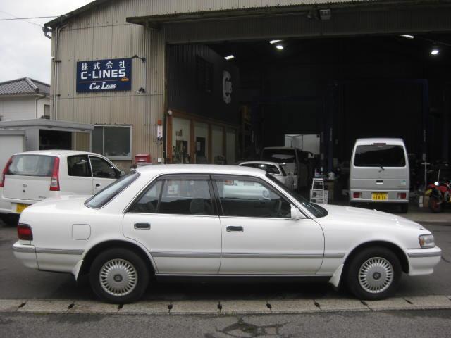グランデ フル装備 オートマ 走行距離49300キロ タイミングベルト交換済み ETC タイヤ4本新品交換 GX81 集中ドアロック 室内清掃(5枚目)