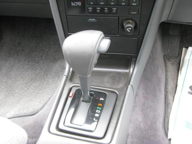 グランデ フル装備 オートマ 走行距離49300キロ タイミングベルト交換済み ETC タイヤ4本新品交換 GX81 集中ドアロック 室内清掃(12枚目)