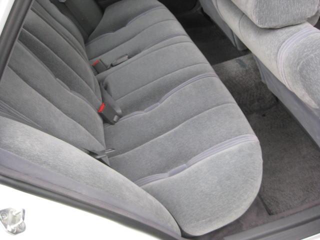 グランデ フル装備 オートマ 走行距離49300キロ タイミングベルト交換済み ETC タイヤ4本新品交換 GX81 集中ドアロック 室内清掃(15枚目)