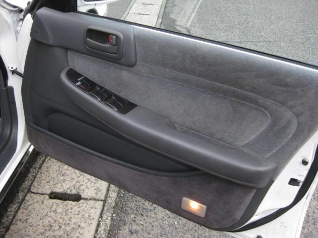 グランデ フル装備 オートマ 走行距離49300キロ タイミングベルト交換済み ETC タイヤ4本新品交換 GX81 集中ドアロック 室内清掃(24枚目)