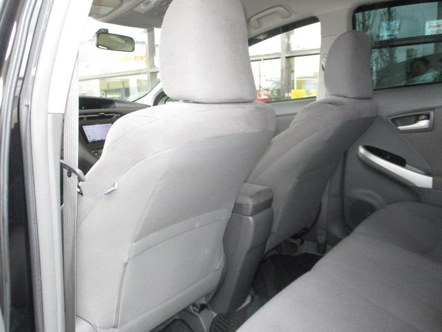 「トヨタ」「プリウス」「セダン」「鳥取県」の中古車33