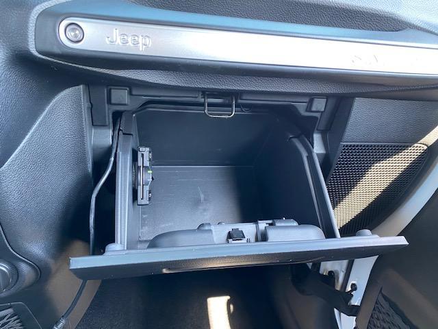 「その他」「ジープラングラーアンリミテッド」「SUV・クロカン」「広島県」の中古車52