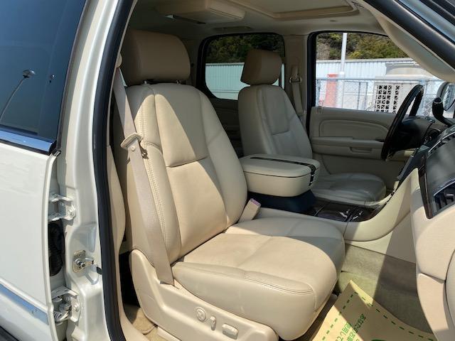 「キャデラック」「キャデラックエスカレード」「SUV・クロカン」「広島県」の中古車28