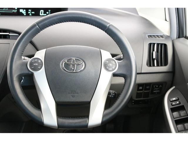 クルーズコントロールも装備されておりますので高速道路などでは快適便利で安全ですね。無駄な加減速のない一定速度での走行は低燃費にもつながりますね。