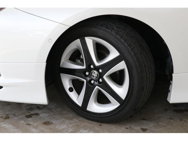 燃費や乗り心地、コストパフォーマンスに優れた純正15インチサイズのタイヤホイールです。タイヤの溝もまだまだ残っています。