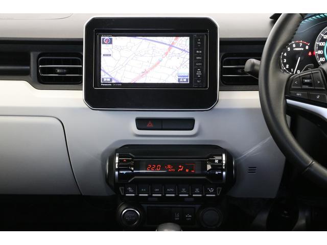 パナソニック製ナビを装備しています。オートエアコンのスイッチも欧州車で見たことありそうなオシャレなデザインですね。