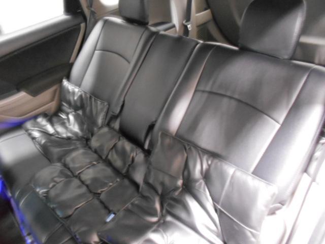 後席シートになります。破れや傷みなど一度ご来店のうえ程度などをお確かめください。