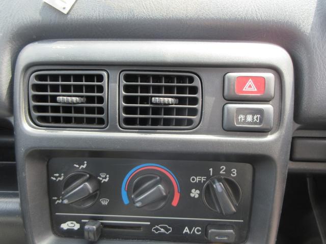 4WD 5速MT エアコン パワステ 荷台マット ラジオ(17枚目)