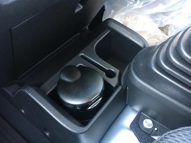 スタンダードSAIIIt 60th Thank you HIJET 4WD 届出済み未使用車 スタイリッシュパック 省力パック LEDヘッド&LEDフォグ メッキフロントグリル キーレス パワーウインドウ 足元マット バイザー(19枚目)