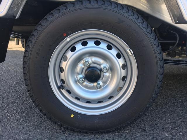 スタンダードSAIIIt 60th Thank you HIJET 4WD 届出済み未使用車 スタイリッシュパック 省力パック LEDヘッド&LEDフォグ メッキフロントグリル キーレス パワーウインドウ 足元マット バイザー(32枚目)