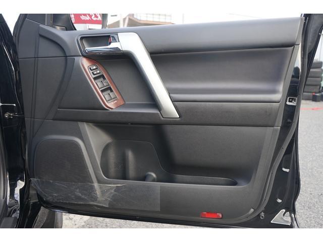 TX Lパッケージ 4WD サンルーフ 黒革 ルーフレール ナビTV 禁煙 Bカメラ ETC クルーズコントロール パークアシスト ワンオーナー 3列シート パワーシート シートヒーター フルセグ CD DVD BT接続(58枚目)