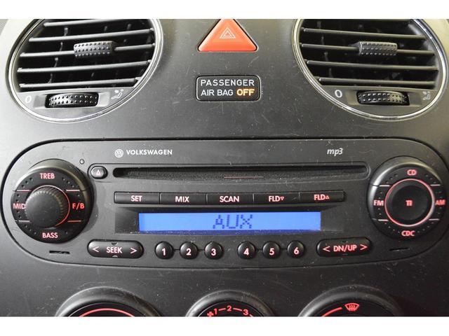 純正CDデッキを装備♪お気に入りの音楽を聴きながらドライブなんていかがですか?