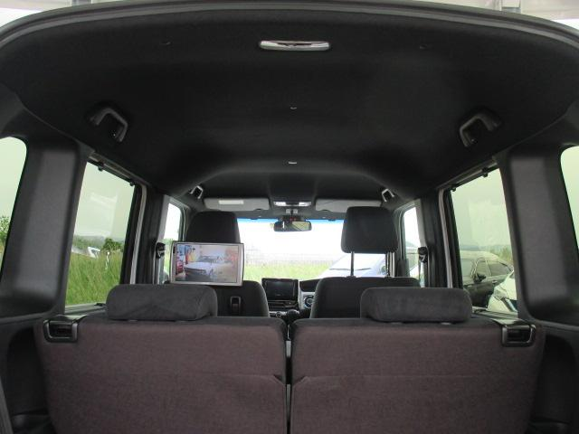 G・Lホンダセンシング ワンオーナー車・追従式クルーズコントロール・オートライト・LEDヘッドライト・パナソニックナビ・フルセグTV・バックカメラ・後席モニター・ビルトインETC(12枚目)